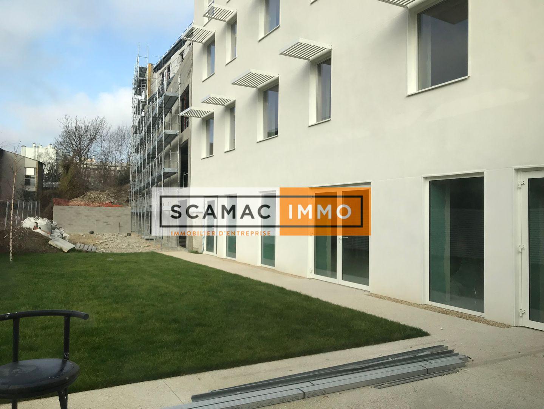 bureau de 750m², Cachan (Val-de-Marne)