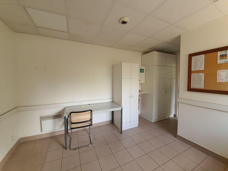 local d'activités de 2992m², Savigny-le-Temple (Seine-et-Marne)