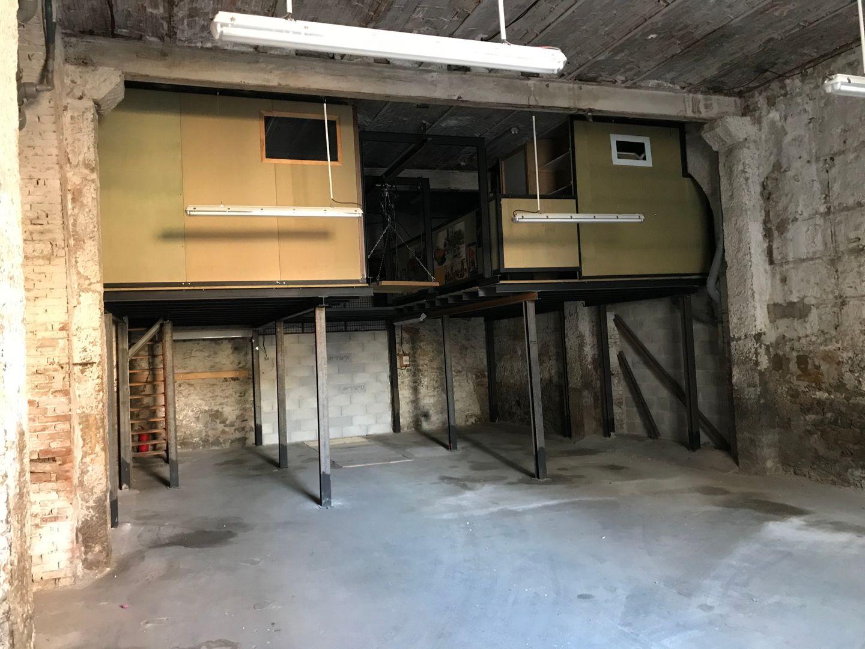 entrepôt de 140m², Hyères (Var)