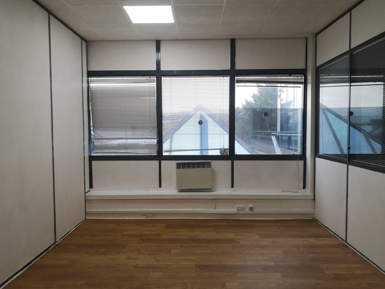 bureau de 17m², Bobigny (Seine-Saint-Denis)