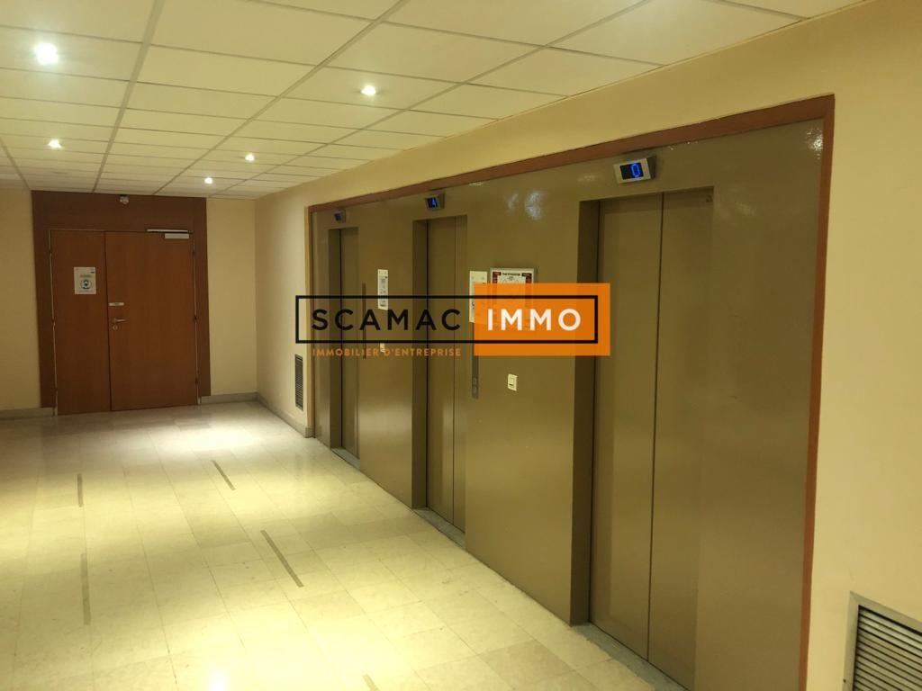 bureau de 425m², Osny (Val-d'Oise)